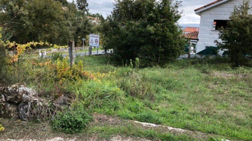 Se vende finca edificable en Piñor, concello de Barbadás