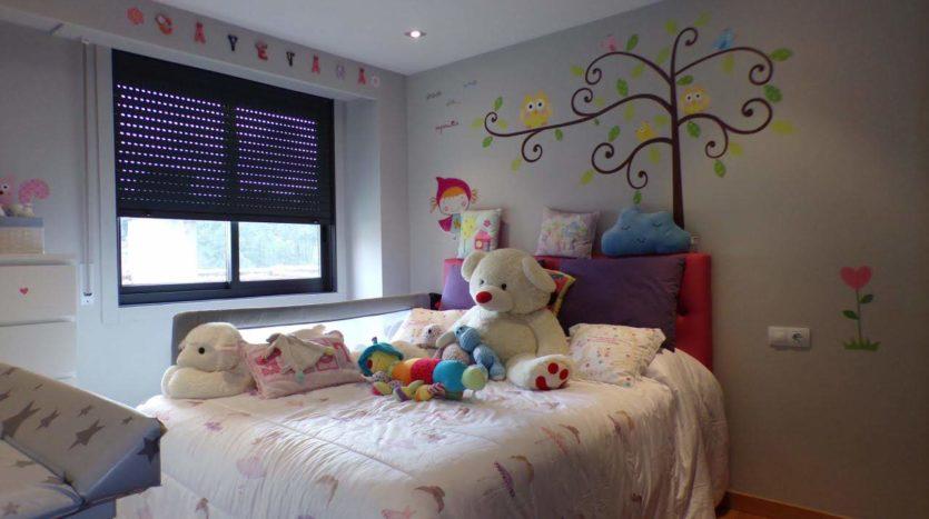 Se vende piso tres dormitorios en A Valenzá todo exterior