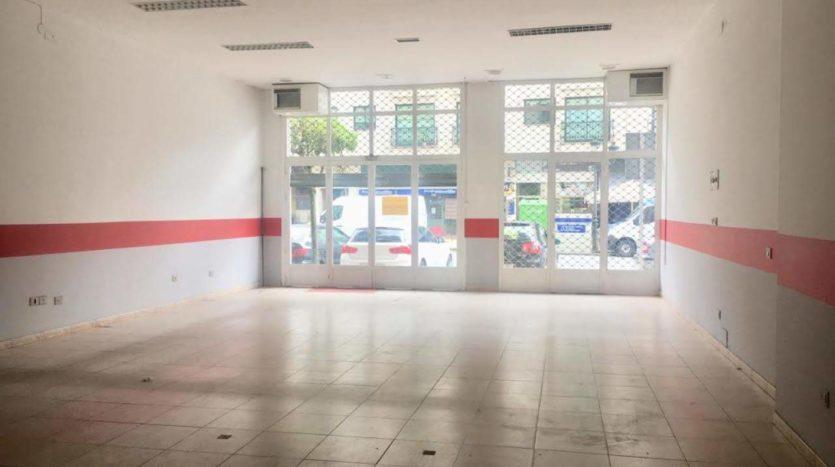 Alquilar local comercial en A Valenzá